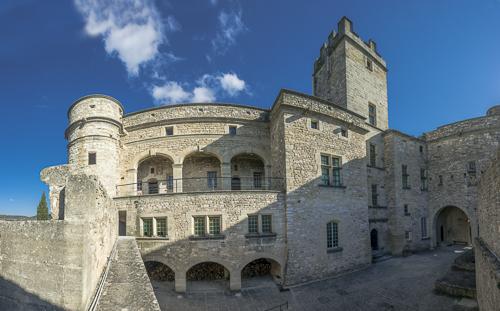 Château du Barroux au pied du Ventoux
